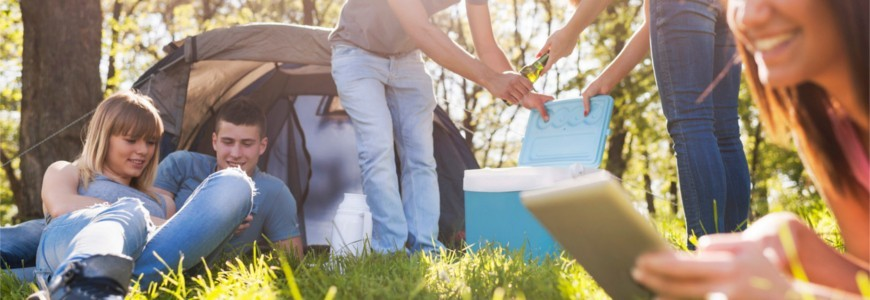 Refrigeration and frozen food on the move when travelling and camping