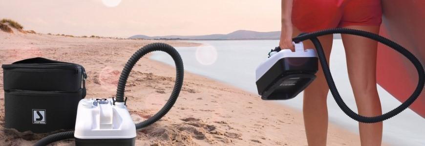 Zeltzubehör wie Zeltsack oder Luftpumpe zum Luft-Vorzelt an Wohnwagen